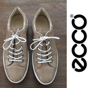 Ecco Soft 9 Tie Patent Platform Sneaker